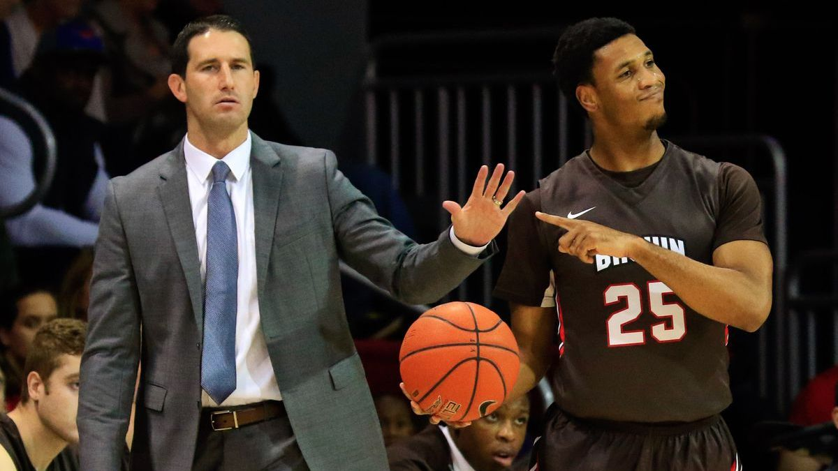 College basketball: Monday matchups article feature image