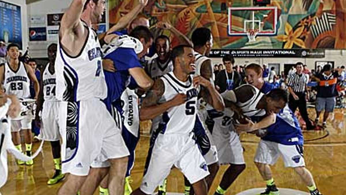 College basketball notebook: New week, new tournaments article feature image