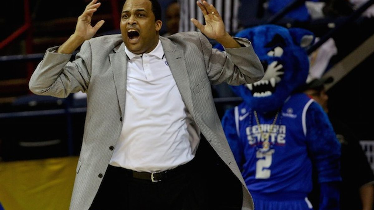 College Basketball Notebook: Taking a Look at Wednesday's Light Slate article feature image