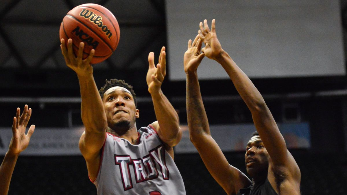 College Basketball Betting Notebook: Analyzing Tuesday's Slate article feature image