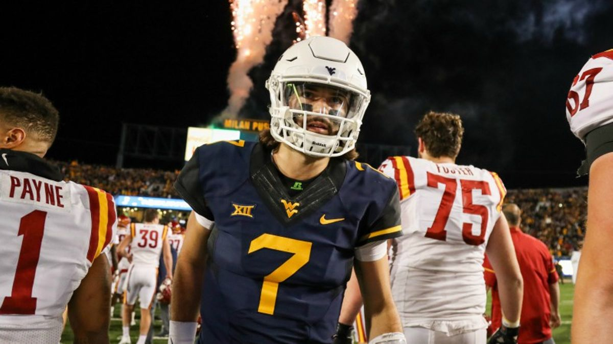 18 Early Betting Tips to Bookmark for the 2018 College Football Season article feature image