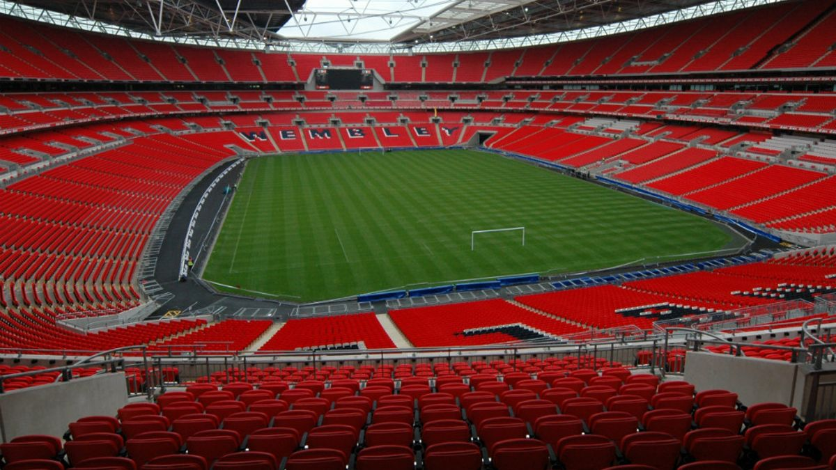 Premier League Props: London derby doubleheader article feature image
