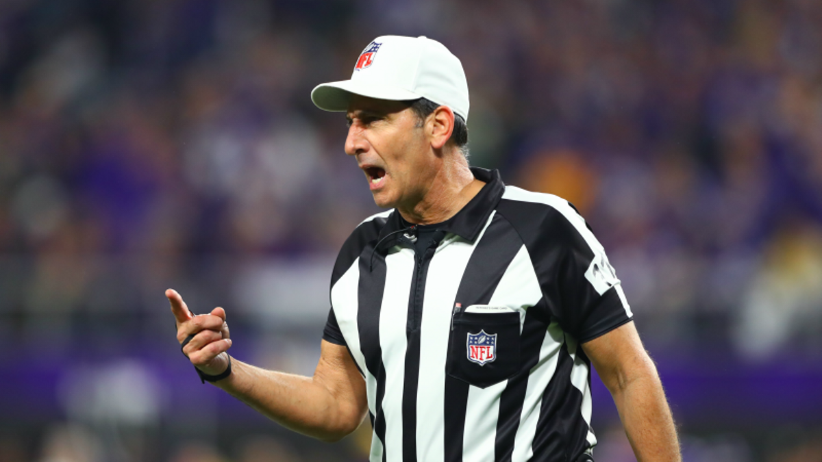 What Bettors Need to Know About Super Bowl 52 Referees article feature image