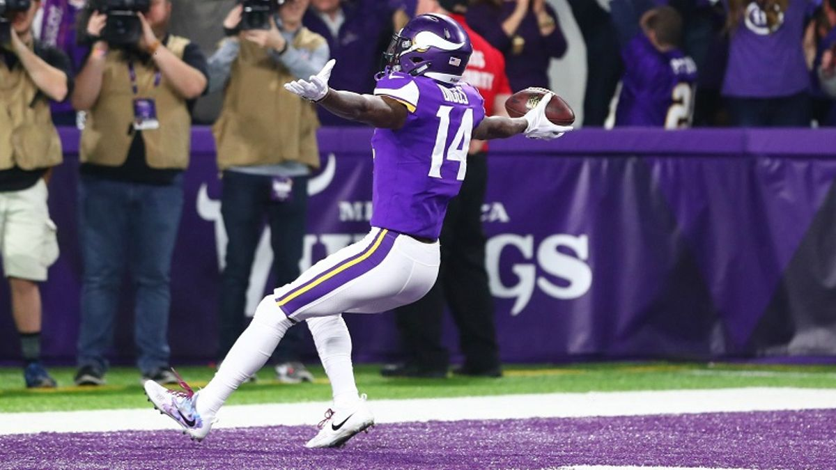 Would Super Bowl Homefield Make Vikes Favorites Over Pats? article feature image