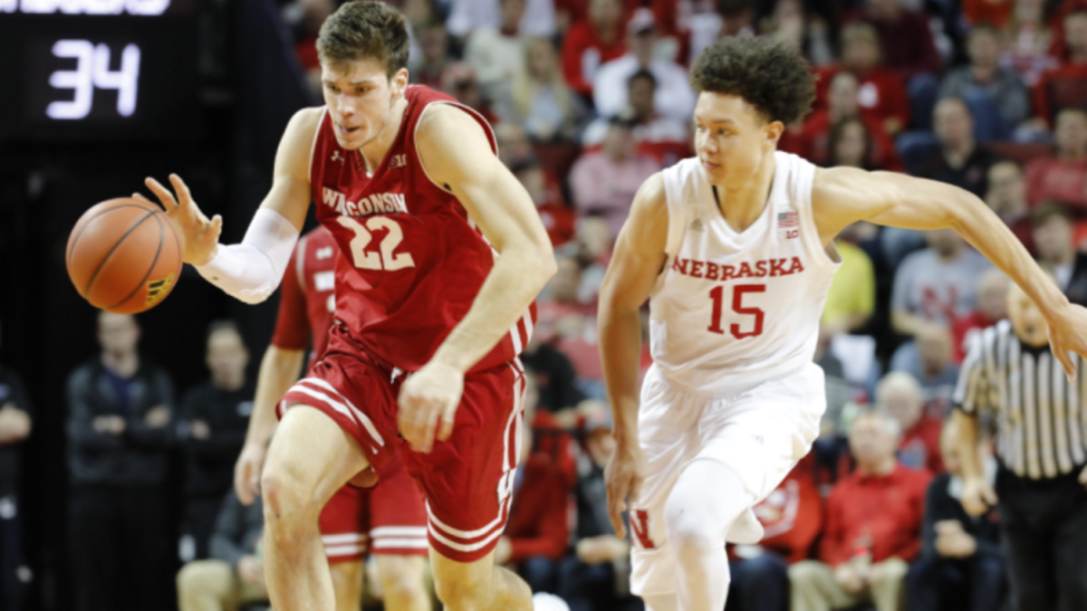 How Sharps Are Betting Nebraska-Wisconsin article feature image