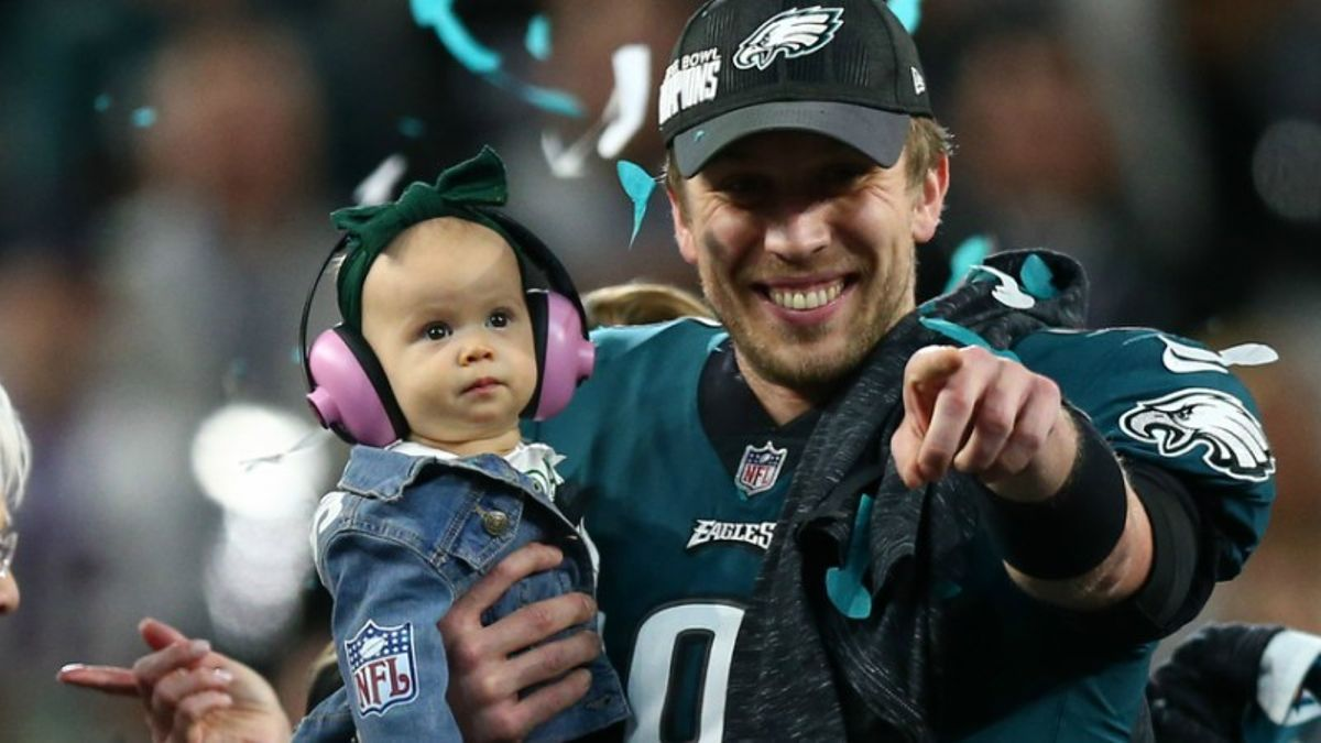 Where Will Nick Foles Play in 2018? article feature image