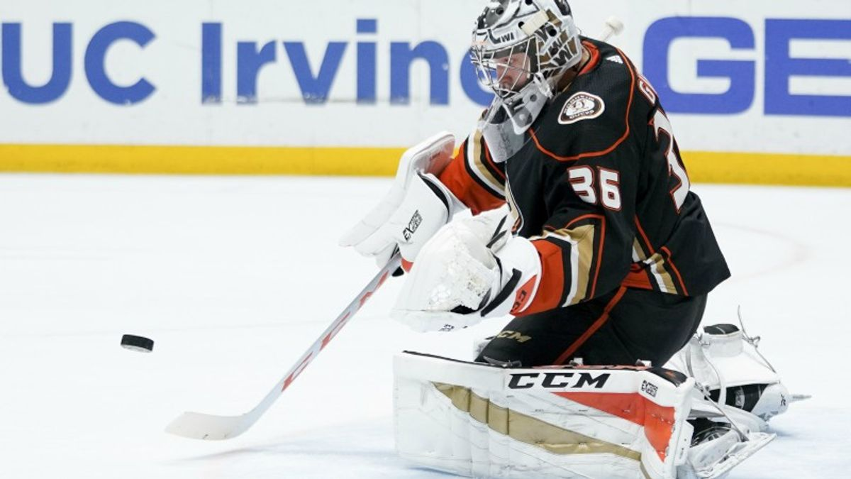 Three NHL Prop Bets for Wednesday: Gibson Over/Under 30.5 Total Saves? article feature image