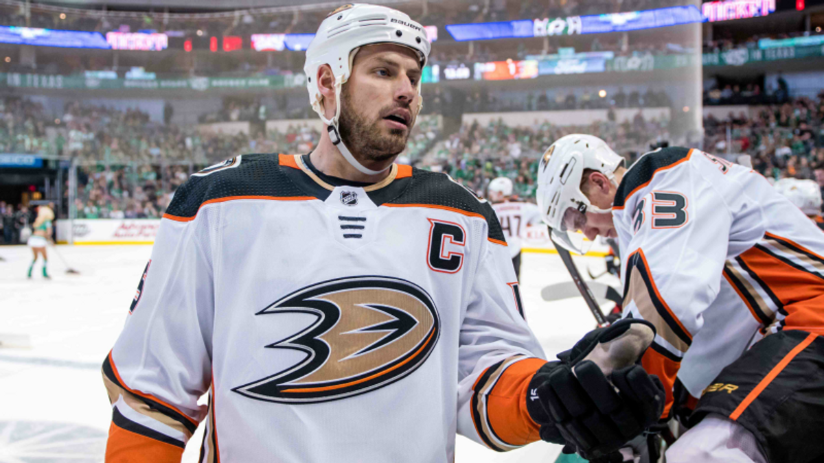 Five NHL Prop Bets for Tuesday: Getzlaf Over/Under 2.0 Total Shots on Goal? article feature image