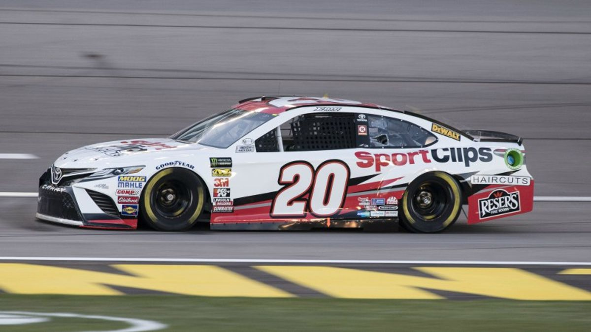 Three NASCAR Prop Bets for Sunday's TicketGuardian 500 at Phoenix article feature image