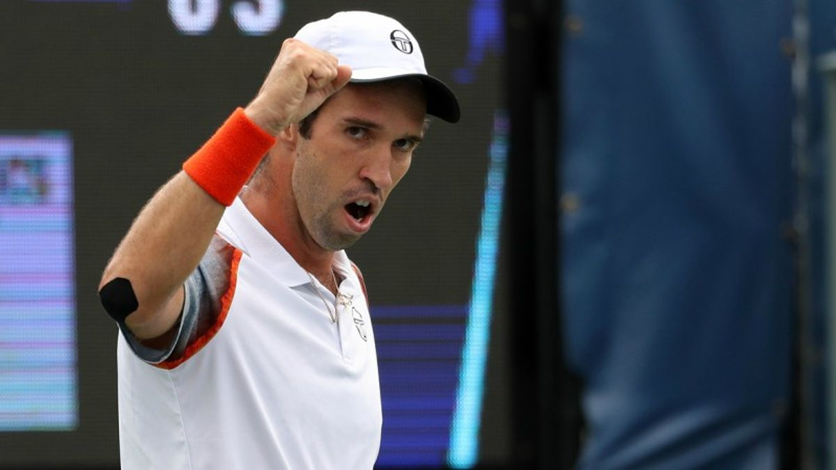 ATP Daily Hitter: Finding Friday's Betting Value at Indian Wells article feature image