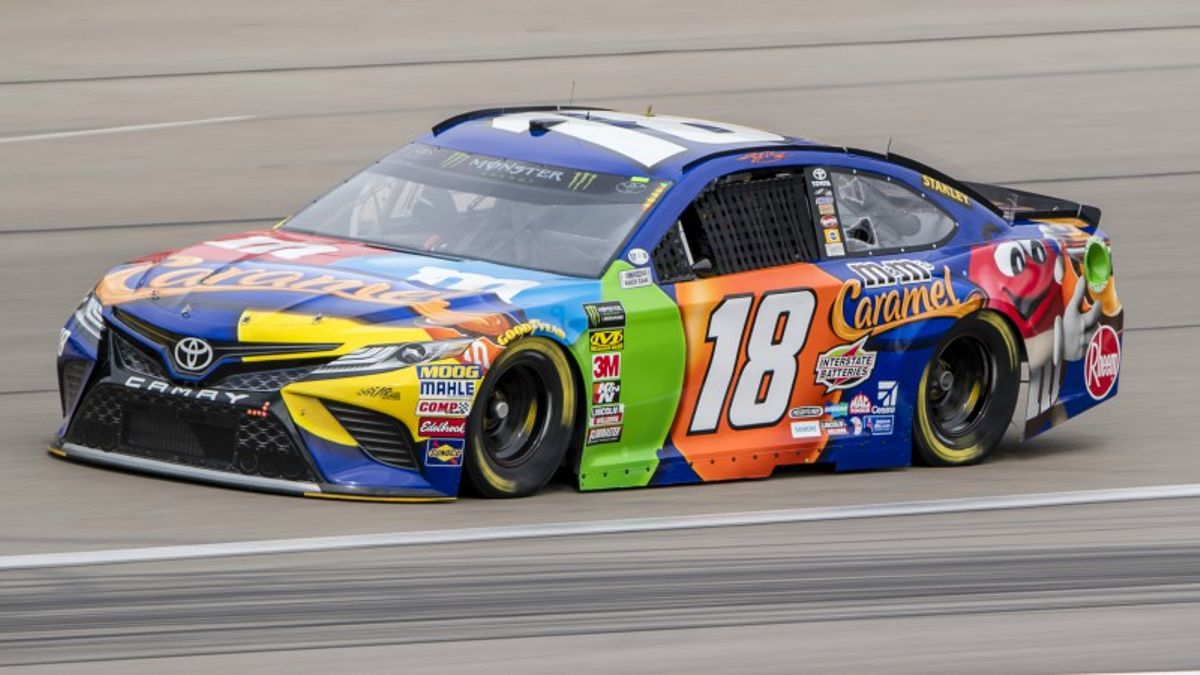 Five NASCAR Prop Bets for Sunday's Pennzoil 400 at Las Vegas article feature image