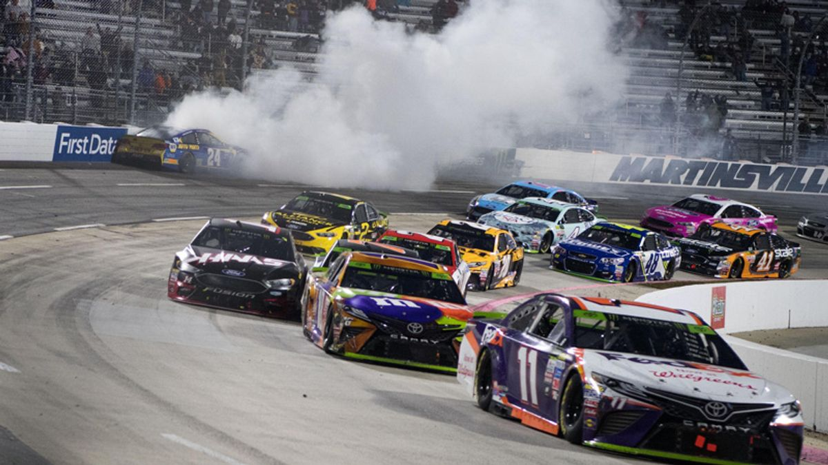 Two NASCAR Prop Bets for Monday's Martinsville STP 500 article feature image