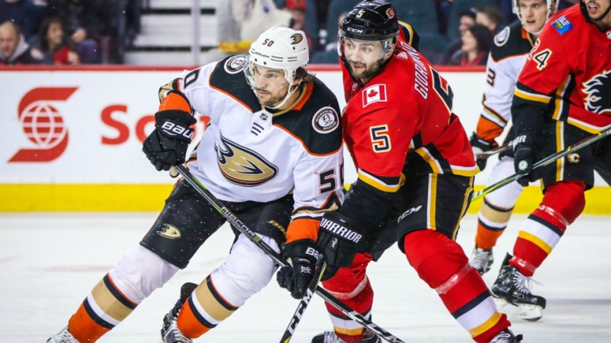 Betting Ducks-Flames: Will Calgary's Luck Turn Before It's Too Late? article feature image