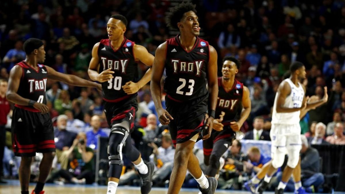 Betting Friday's Conference Tourneys: More Major Upsets on the Horizon? article feature image