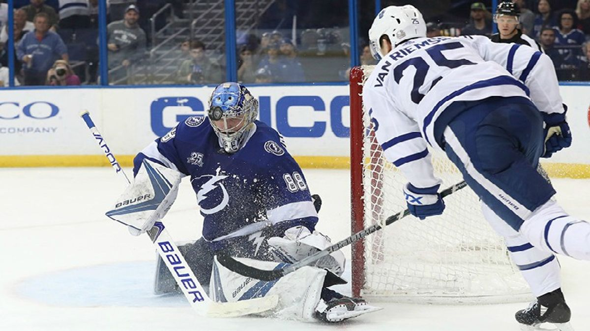 Maple Leafs-Lightning: What's the Betting Impact When Two Prolific Offenses Meet? article feature image