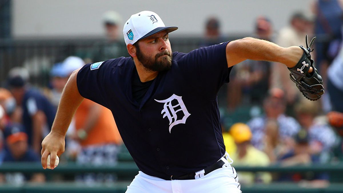 Saturday's MLB Over/Under: Will Hot Bats or Stud Pitchers Win Out in Chicago? article feature image