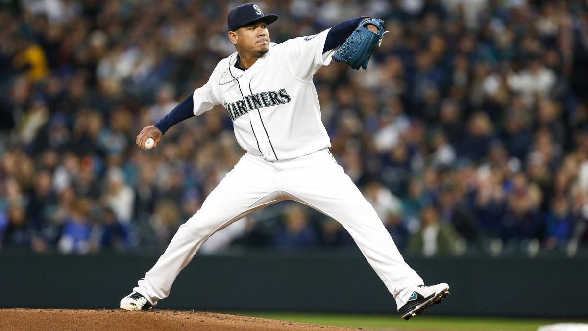 Friday Sharp Report: Pros Betting Rockies-Mariners, Two Other Games article feature image