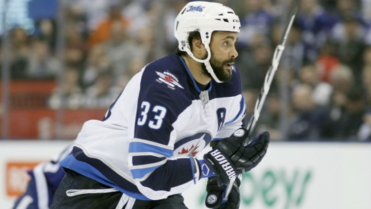 Top NHL Prop Bets for Wednesday: Byfuglien Over/Under 2.5 Total Shots on Goal? article feature image