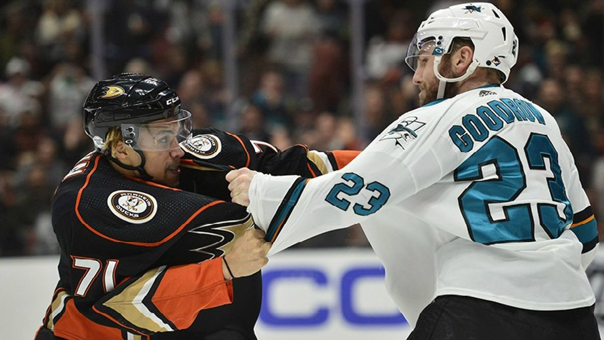 Sharks-Ducks Betting Preview: Slim Margins Between Pacific Powers article feature image