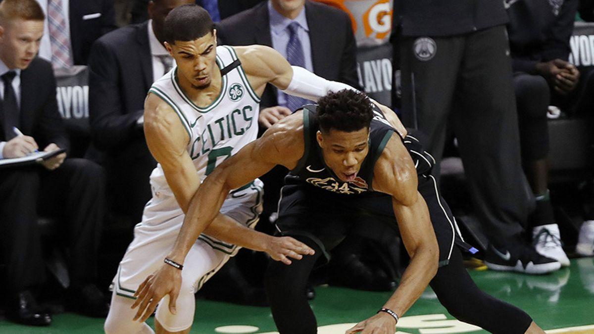 3 NBA Props for Thursday: Antetokounmpo Over/Under 10 Rebounds? article feature image