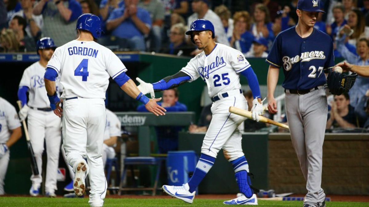 Wednesday Sharp Report: Pro Players Eyeing Multiple Interleague Matchups article feature image
