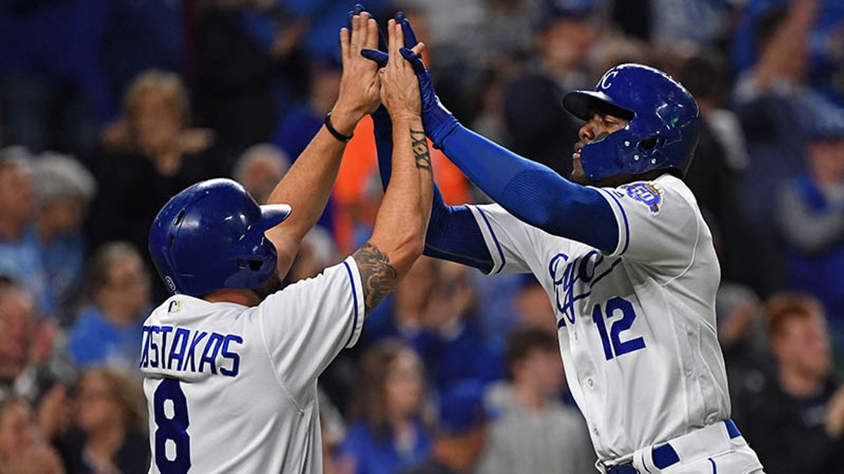 Sunday's MLB Over/Under: Will Tigers and Royals Get Their Offenses on Track? article feature image