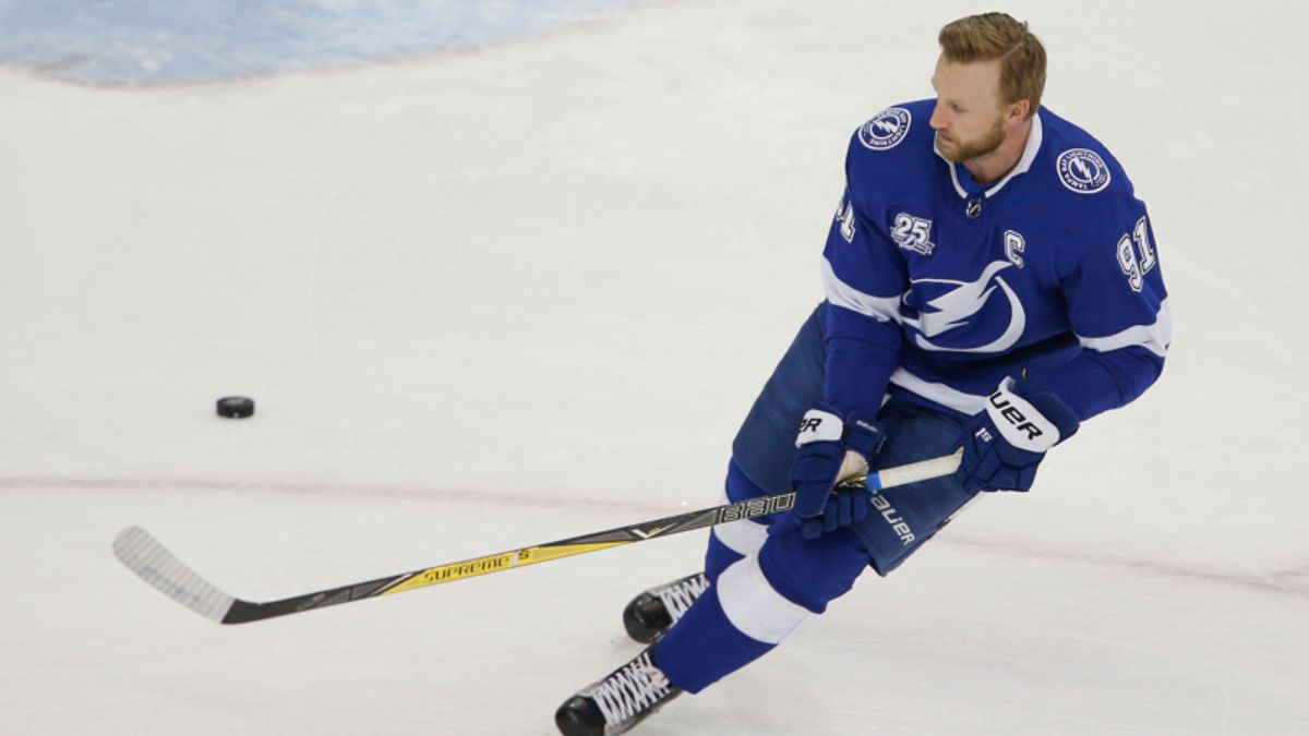 Top NHL Prop Bets for Wednesday: Stamkos Over/Under 2.5 Total Shots on Goal? article feature image
