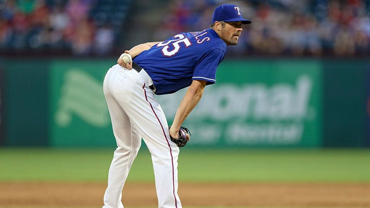 MLB Betting Notes: Can Hamels Hang With Verlander? article feature image