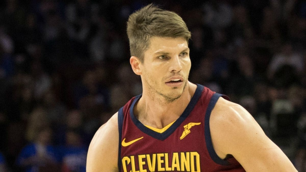 3 NBA Props for Monday: Korver Over/Under 10.5 Points? article feature image