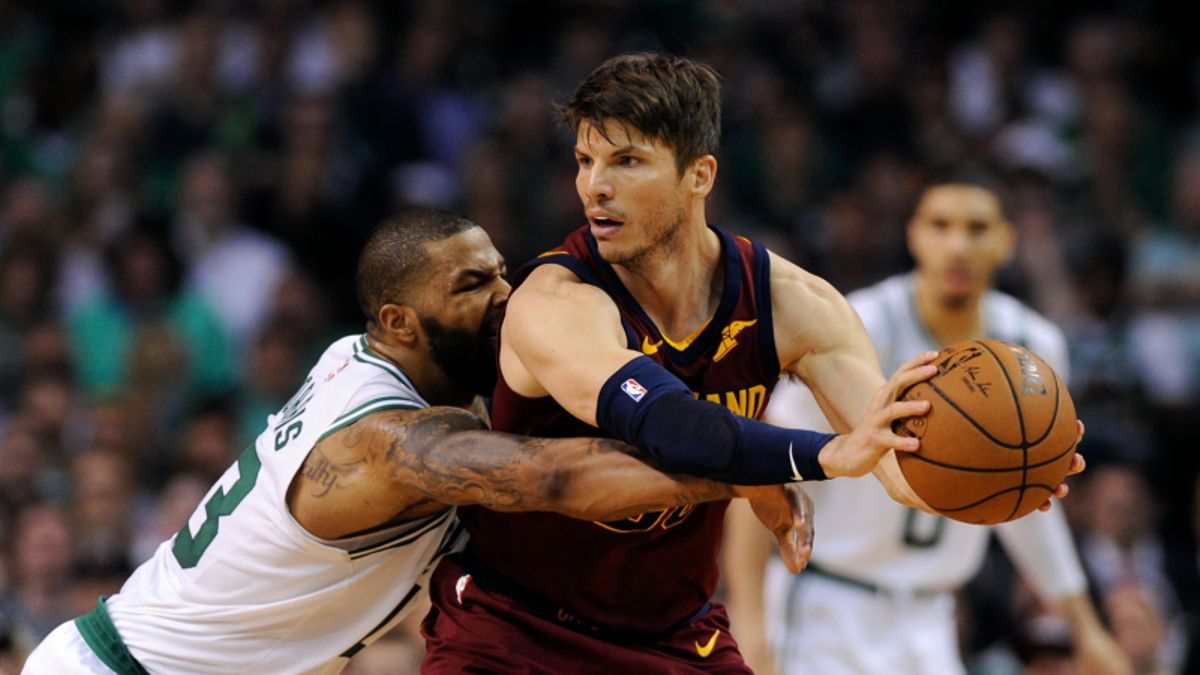 3 NBA Props for Friday: Korver Over/Under 11.5 Points? article feature image