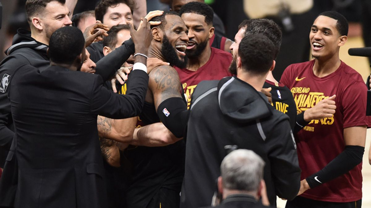 Cavs Heavy Favorites Over Celtics in Eastern Conference Lookahead Lines article feature image