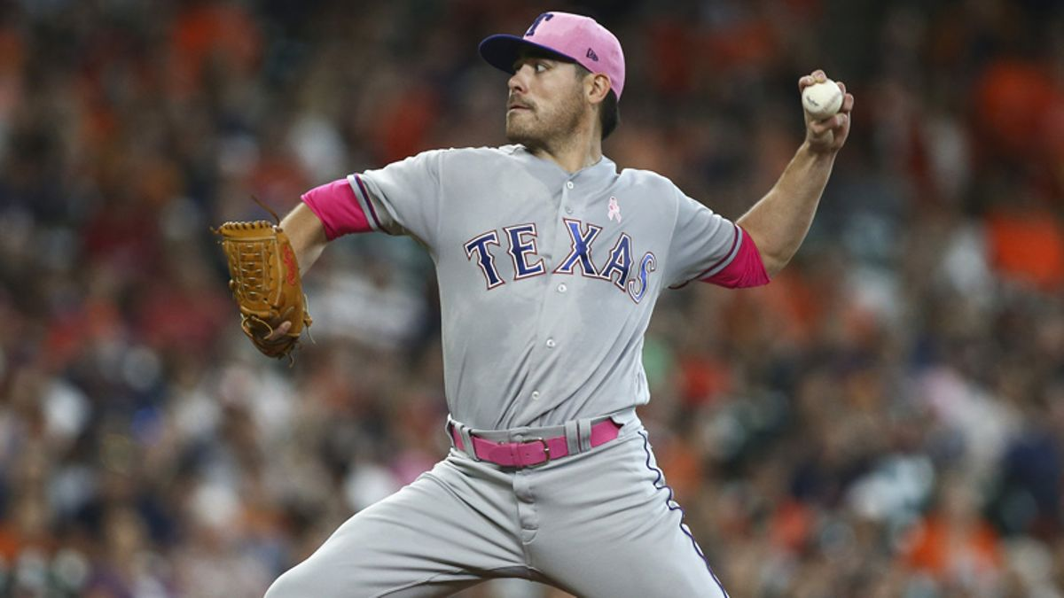 Weather, Umpire Moving Tonight's Rangers-White Sox Total article feature image