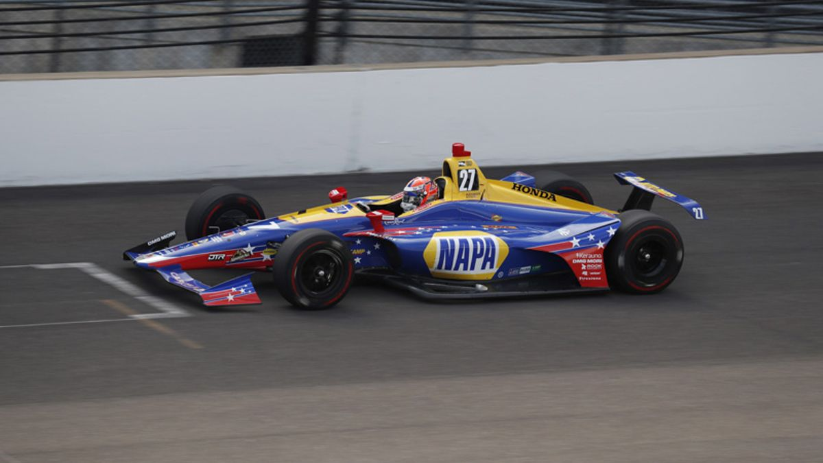 Rossi Leads Updated List of Indy 500 Betting Favorites article feature image
