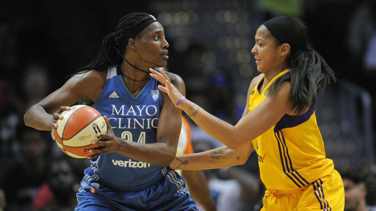 WNBA Betting Tip: Game 1 Favorites are Profitable article feature image