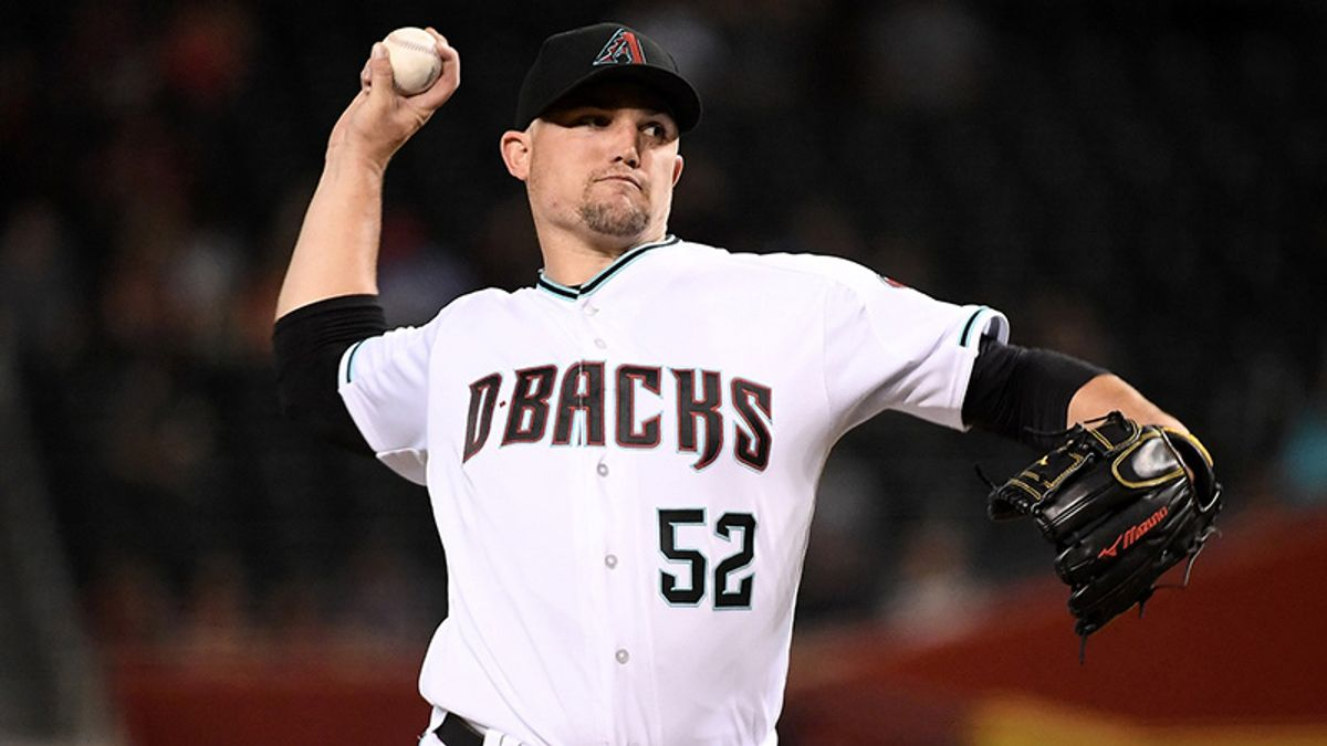 Friday's MLB Over/Under: Sizzling Diamondbacks Take on the Struggling Mets in the Desert article feature image