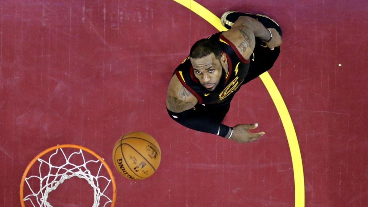 Should Fans Consider LeBron's NBA Finals Record a Disappointment? article feature image