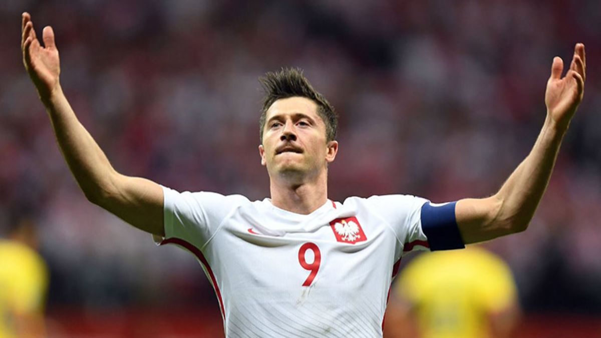 Robert Lewandowski Will Need to Put Poland On His Shoulders article feature image