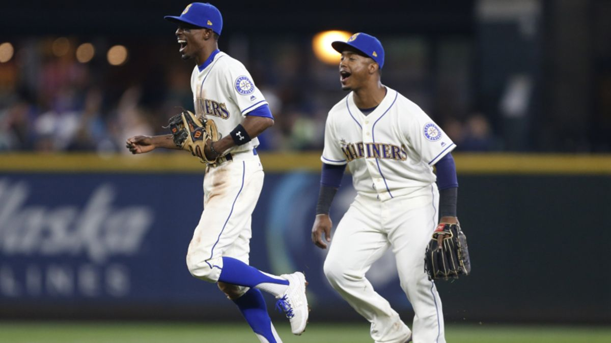 MLB Betting Notes: Mariners Look to Keep Rolling Against Reeling Rays article feature image
