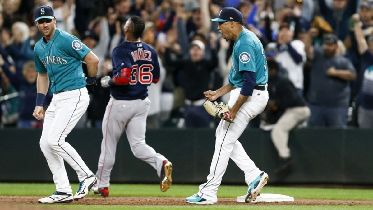 Friday Sharp Report: Pros Betting Mariners-Red Sox and 2 Other Games article feature image