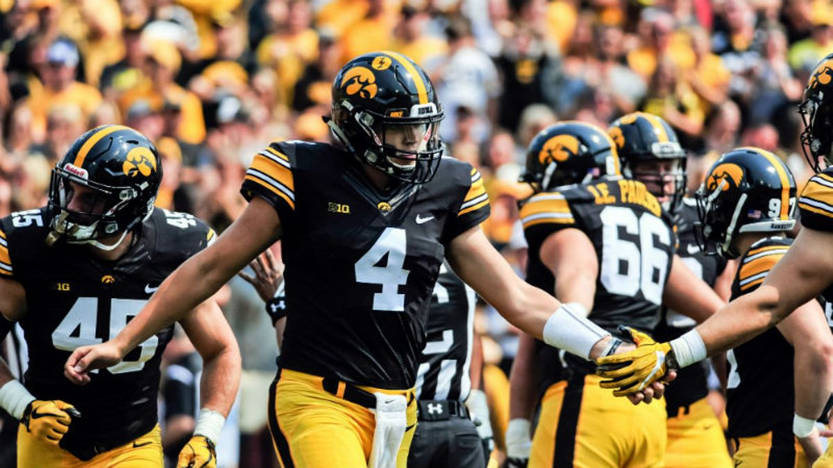 Iowa 2018 Betting Preview: Why Hawkeyes Can Challenge for Big Ten West article feature image