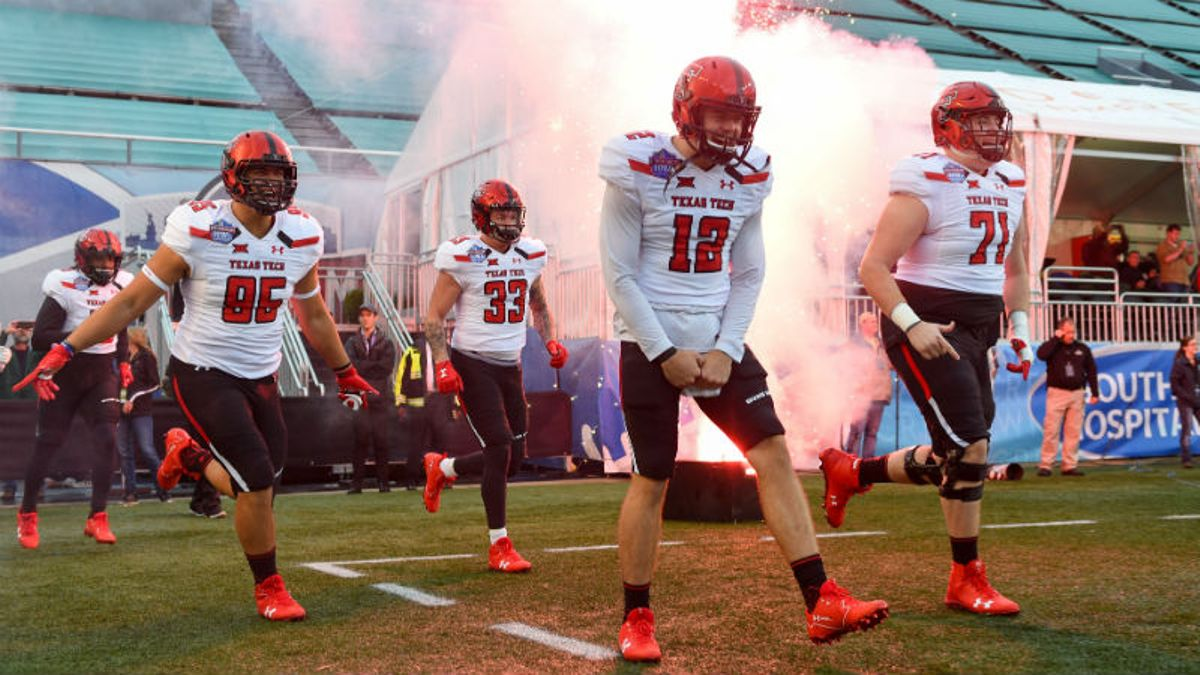 Texas Tech 2018 Betting Preview: A Big 12 Dark Horse Thanks To … Defense? article feature image