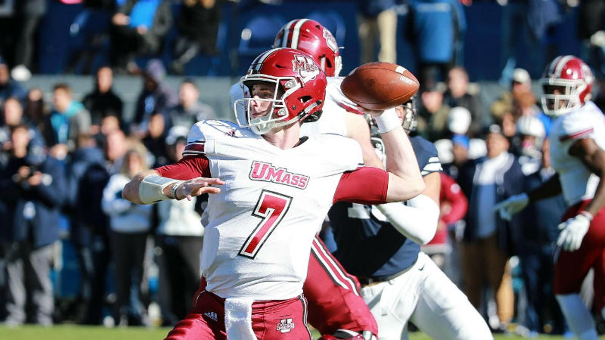 UMass 2018 Betting Preview: Dynamic Offense Will Get Minutemen to 6 Wins article feature image