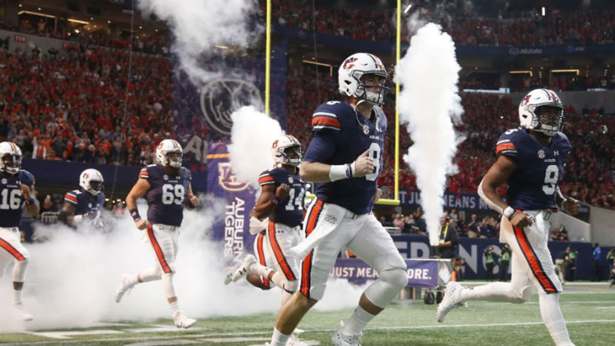 Wilson: 9 College Football Games I'm Betting in Week 1 article feature image