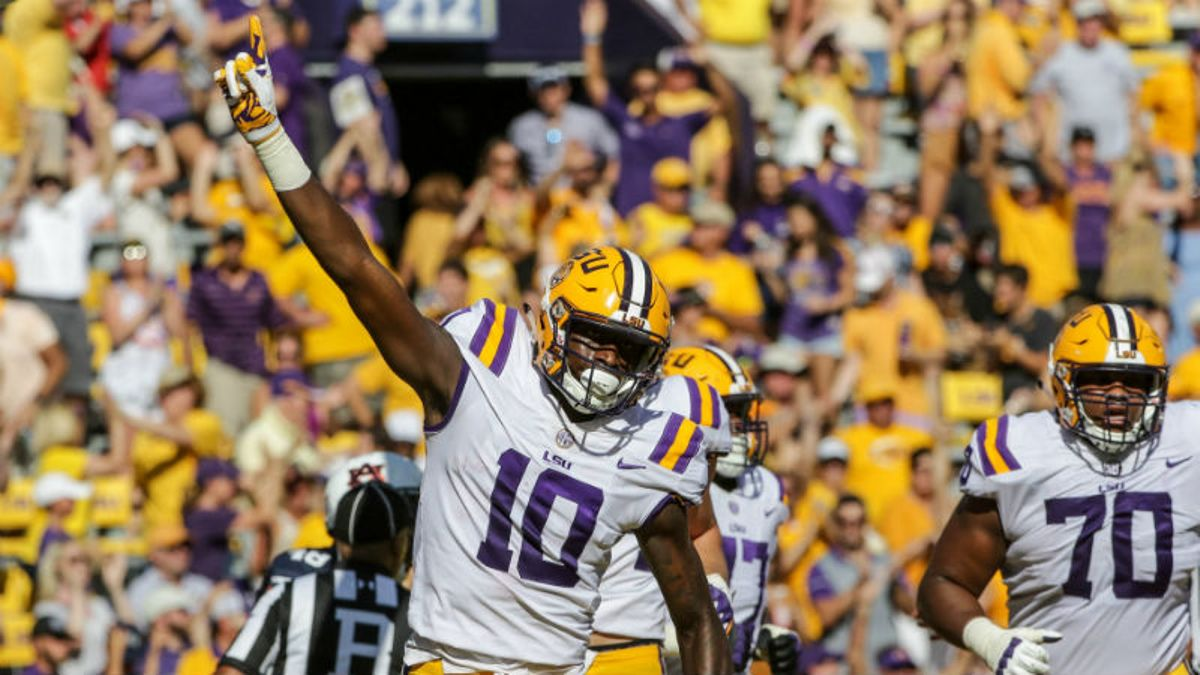 LSU's Wide Receiver Struggles Cast Doubt on Entire Offense article feature image