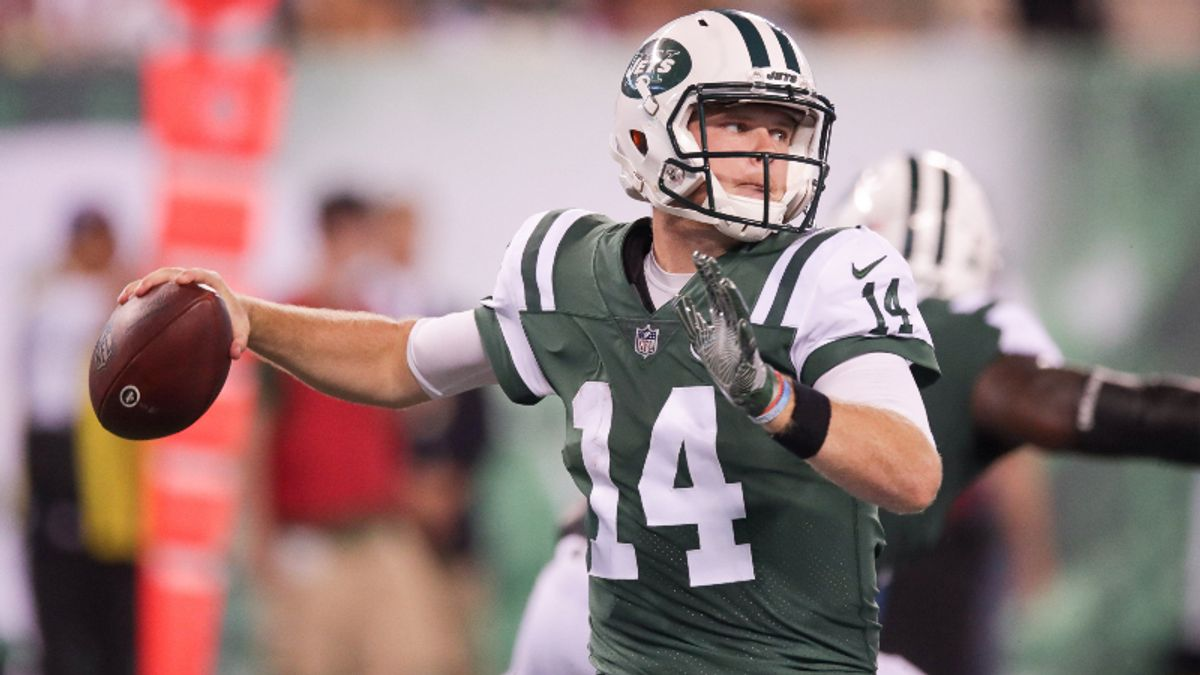 Fantasy Football, Betting Lessons from Friday's Two Preseason Games: The Jets Might Have Two QBs article feature image
