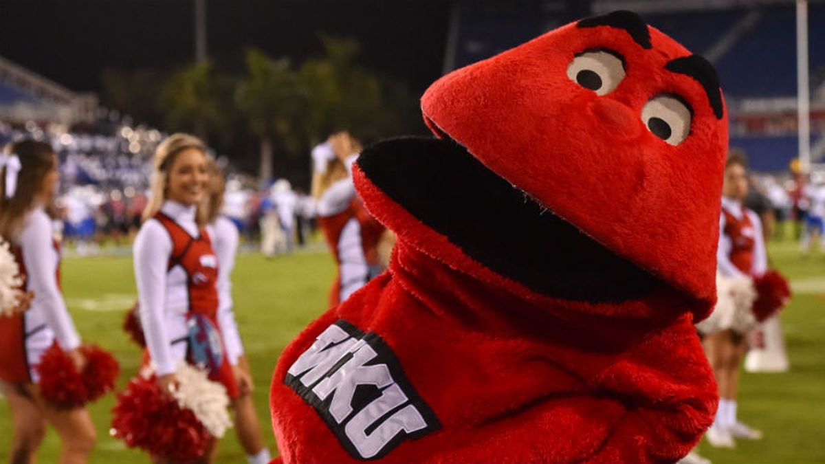 Western Kentucky 2018 Betting Preview: The Worst Is Still to Come article feature image