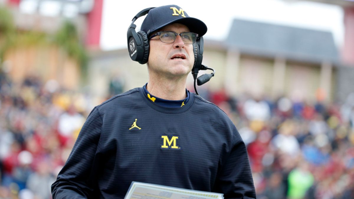 Michigan-Notre Dame Among Most Popular Week 1 College Football Bets article feature image