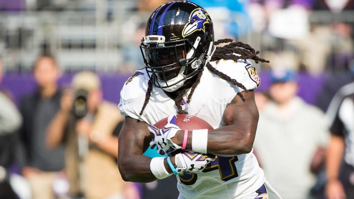 Week 1 Fantasy Football RB Report: Starts, Sits and the Consensus No. 1 article feature image