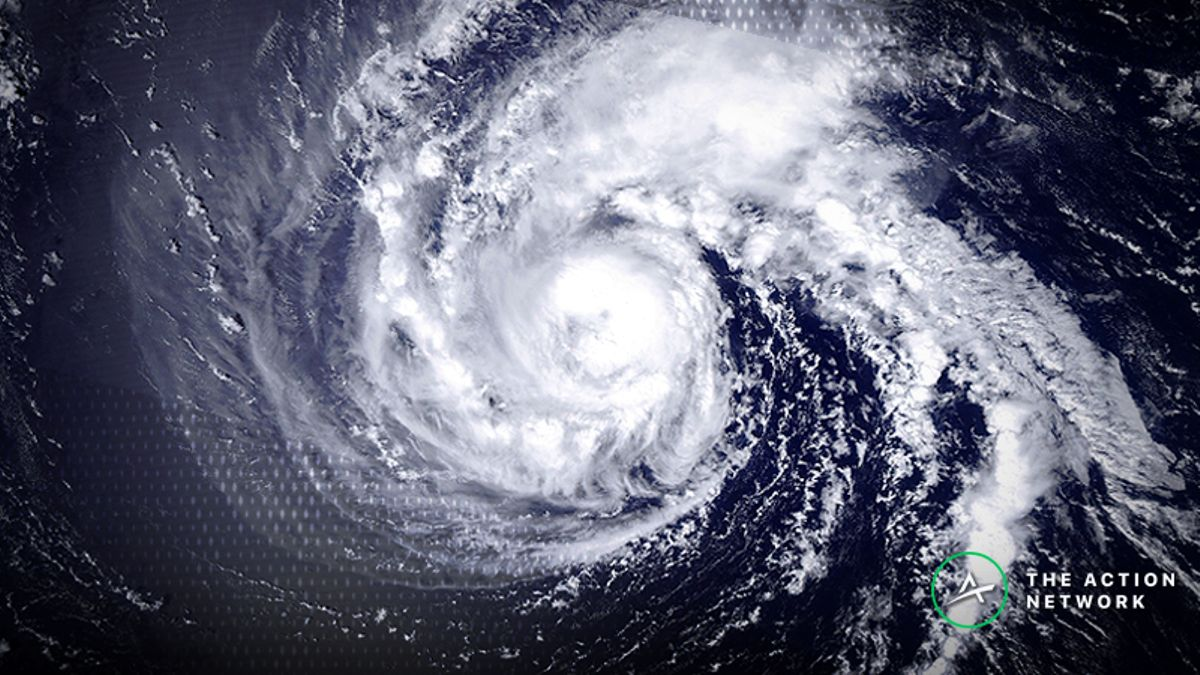 College Football Week 3 Weather: Hurricane Florence Affecting Over/Unders article feature image