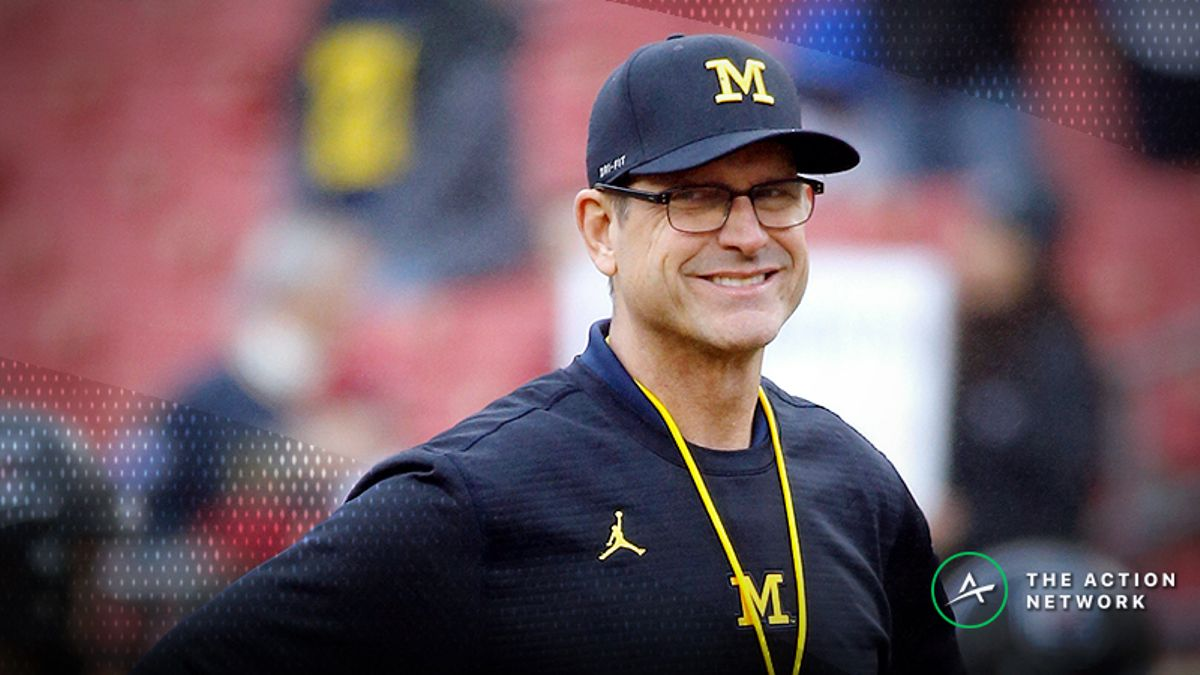 Bets Piling Up on Michigan, Notre Dame to Make College Football Playoff article feature image